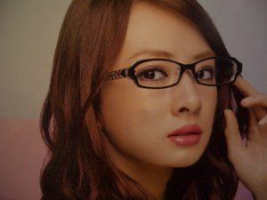 北川景子,鼻だけ変,鼻筋,眼鏡