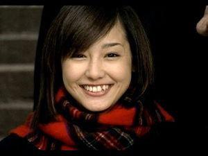 沢尻エリカ,歯,短くなった,歯科矯正,黒い,八重歯