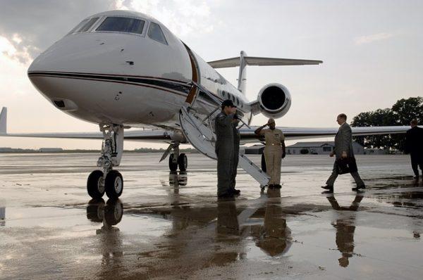 前澤友作,プライベートジェット,新しい,ビジネス,セレブ,機種